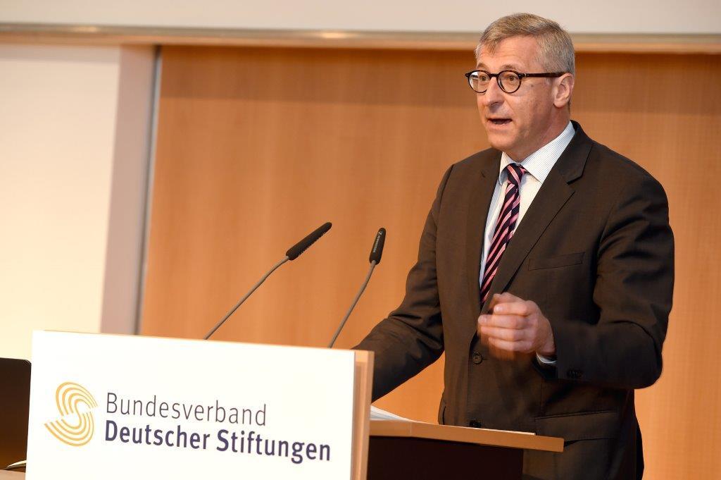 Dr. Bernhard Felmberg beim Deutschen Stiftungstag in Leipzig, am 12.5.2016. Foto: Peter Himsel / Bundesverband Deutscher Stiftungen