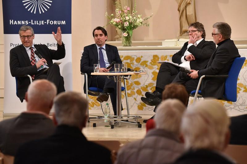 Ministerialdirigent Dr. Bernhard Felmberg auf dem Hanns-Lilje Forum in Hannover Foto: Hanns-Lilje-Stiftung / Jens Schulze
