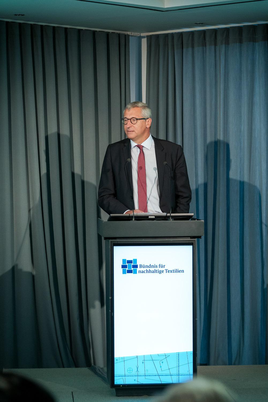 Jahrestagung und Mitgliederversammlung des Textilbündnisses in Berlin, Ministerialdirigent Dr. Bernhard Felmberg